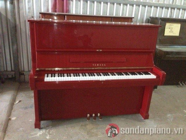 Sơn đàn piano Yamaha U2 màu đỏ